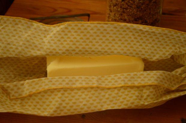 Read more about the article Film alimentaire réutilisable en cire d'abeille